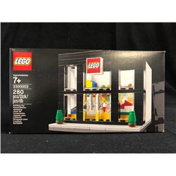 LEGO Brand Retail Store 3300003
