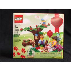 LEGO 40236 Valentine's Day Picnic Seasonal Set