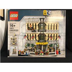 LEGO 10211 Grand Emporium Modular Building