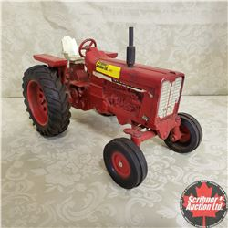 CHOICE OF 7:  IH Farmall 1026 (Scale: 1/16)