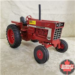 CHOICE OF 7:  IH Farmall 966 (Scale: 1/16)