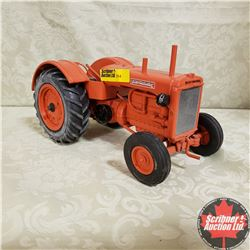 Allis Chalmers Tractor  (Scale: 1/16)