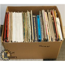 LARGE ASSORTED BOX OF VINYL RECORDS.