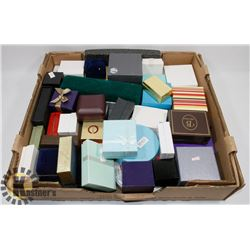 FLAT OF ASSORTED JEWELLERY DISPLAY BOXES