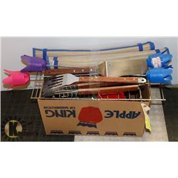 LOT OF ASSORTING CAMPING ITEMS INCL DRINK HOLDERS,