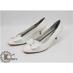 MARIE CLAIRE WHITE SZ 8