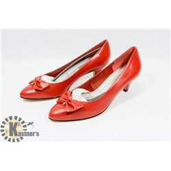 MARIE CLAIRE RED SZ 8.5