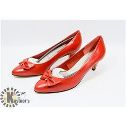 MARIE CLAIRE RED SZ 9