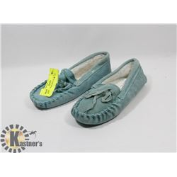BLUE  SLIPPERS KIDS SZ 13
