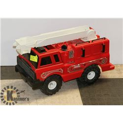 METAL/ PLASTIC TONKA FIRE TRUCK WITH EXTENDABLE