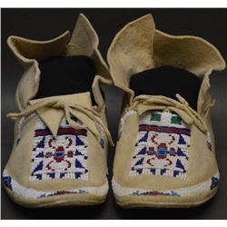 CHEYENNE INDIAN MOCCASINS