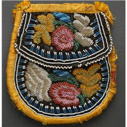 IROQUOIS INDIAN BEADED BAG