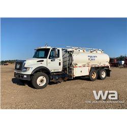 2003 IHC 7600 T/A WATER TRUCK