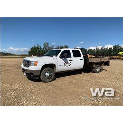 2013 GMC 3500HD CREW CAB FLATDECK TRUCK