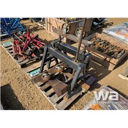 SAWHORSE PIPE ROLLER STANDS