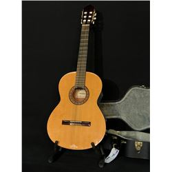 GUITARRAS ALMANSA MODEL 401 CEDRO NYLON STRING CLASSICAL GUITAR, MADE IN SPAIN, COMES WITH HARD