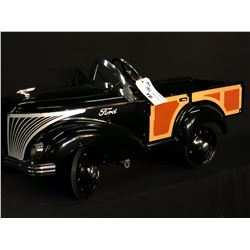 GENDRON FORD WOODY WAGON, LATE 1930'S REPRODUCTION OF THE SKIPPY ROADSTER,