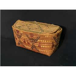 """MT. CURRIE FIRST NATION SPLIT LID HAND WOVEN BASKET, 12"""" X 8"""" X 6"""""""