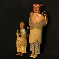 """PAIR OF NATIVE AMERICAN SKOOKUM DOLLS WITH CHILDREN, USA, 15.5"""" & 10.5"""" TALL"""