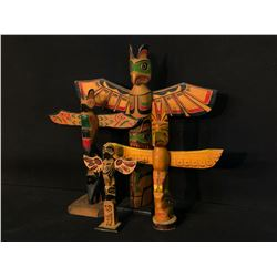 """COLLECTION OF 4 HAND CARVED NATIVE COMMERCE POLES, 6""""-12.5"""" TALL"""