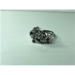 14K LADIES RING, WITH SCDS