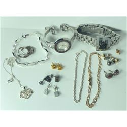 MISC. JEWELLERY INC. 2 GUCCI WATCHES, NECKLACE, 3 BRACELETS, 7 PAIRS OF EARRINGS AND 1 SINGLE