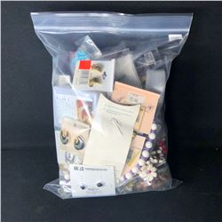 BAG OF MISC. COSTUME JEWELLERY