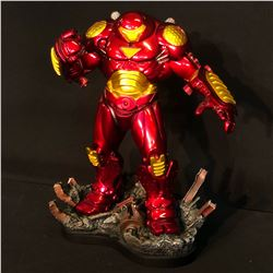 """THE INVINCIBLE IRONMAN """"HULKBUSTER"""" LIMITED EDITION SCULPTURE BY THE KUCHAREK BROTHERS, 562/1500,"""