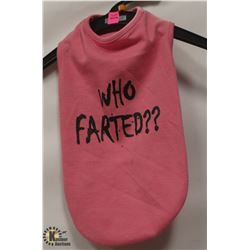 """WHO FARTED"" PINK PET SHIRT SIZE SMALL."