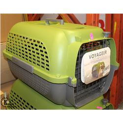 DOGIT GREEN & GREY VOYAGEUR LARGE PET CARRIER