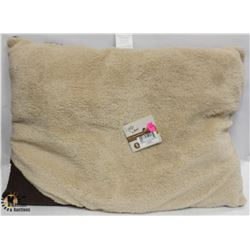 CLASSIC LAMBSWOOL PILLOW BED SMALL