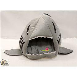 BABY SHARK PET BED
