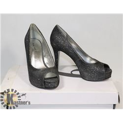 NINE WEST BLACK/SILVER GLITTER SZ 11