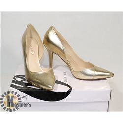 NINE WEST GOLD SZ 6.5