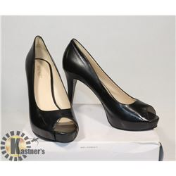 NINE WEST BLACK OPEN TOE SZ 10