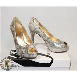 NINE WEST GLITTERING SZ 7