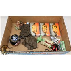 STAR WARS COLLECTIBLES FLAT