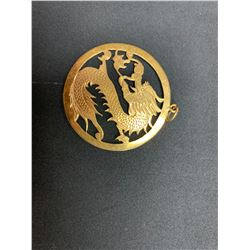 ONE 19K YELLOW GOLD ROUND SHAPED DRAGON DESIGN PENDANT, 8.40GRAMS, REPLACEMENT VALUE $1,150.00