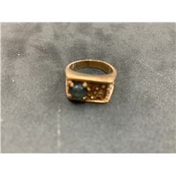 10K LADIES RING WITH BLUE STONE (CHIPPED)