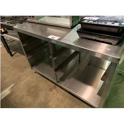 "30""HX44""LX24""W STAINLESS STEEL RESTAURANT EQUIPMENT TABLE WITH TRAY SLIDES"