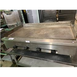 "46""WX31""DX14""H STAINLESS STEEL GRIDDLE WITH 2 TIER STAND"