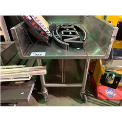 STAINLESS STEEL MOBILE EQUIPMENT TABLE