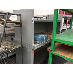 2 METAL AND WOOD WORKBENCHES
