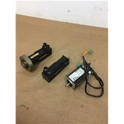 (3) Mavilor BS040A00310X00 Motor & Control Techniques 55MMA500FBKAA MM 55 MOTOR