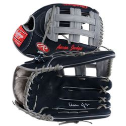 Aaron Judge Signed Baseball Glove (Fanatics Hologram  MLB Hologram)