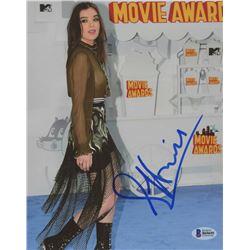 Hailee Steinfeld Signed 8x10 Photo (JSA COA)