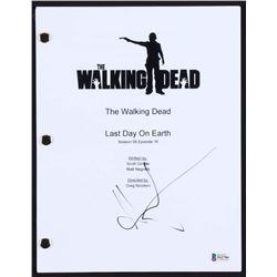 """Andrew Lincoln Signed """"The Walking Dead"""" Full-Episode Script (Beckett COA)"""