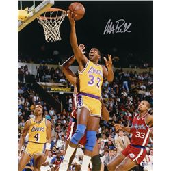 Magic Johnson Signed Los Angeles Lakers 16x20 Photo (Beckett COA)