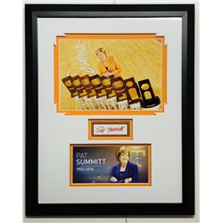 Pat Summit Signed Tennessee Volunteers 16x20 Custom Framed Display (JSA COA)