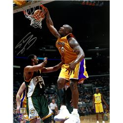 Shaquille O'Neal Signed Los Angeles Lakers 16x20 Photo (Beckett COA)